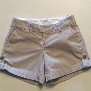 Banana Republic, Kaki Shorts